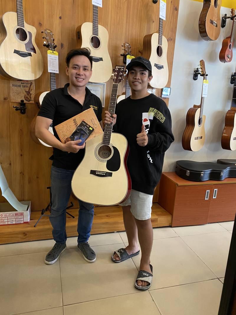 dan guitar suzuki