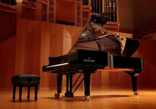 am sac dan grand piano