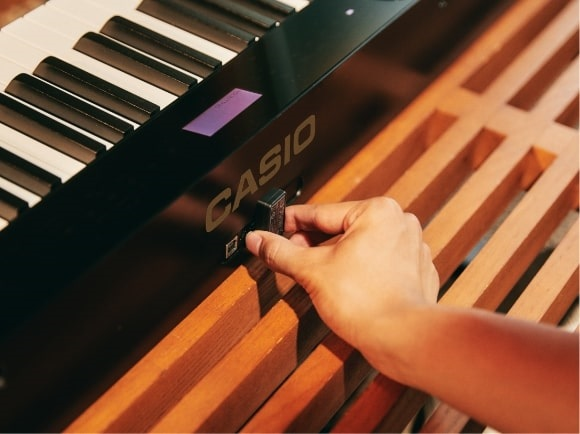 bat nhac bang bluetooth audio cua dan casio px-s1100
