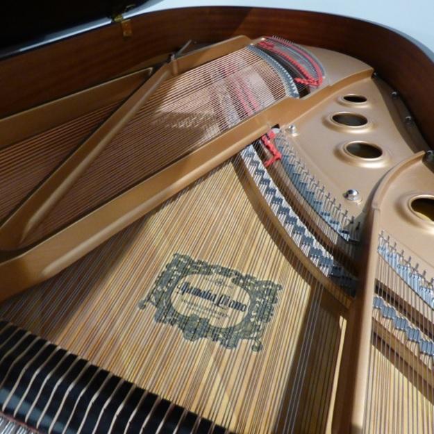 khung kim loai thiet ke theo kieu v-pro cua piano yamaha g3a